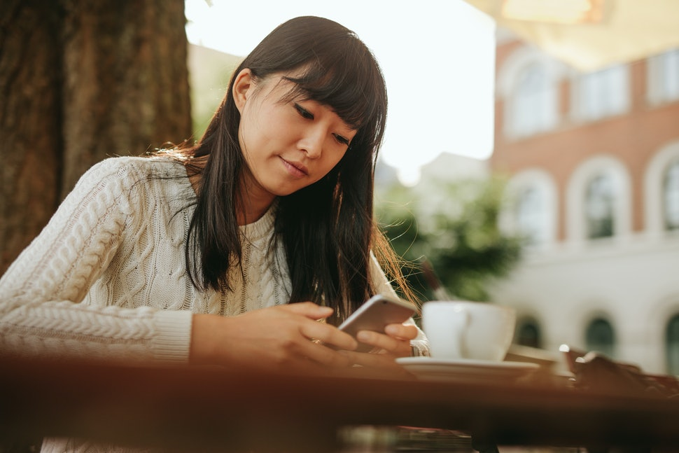 7 Things To Tell Yourself When Youre Waiting For Someone To Text