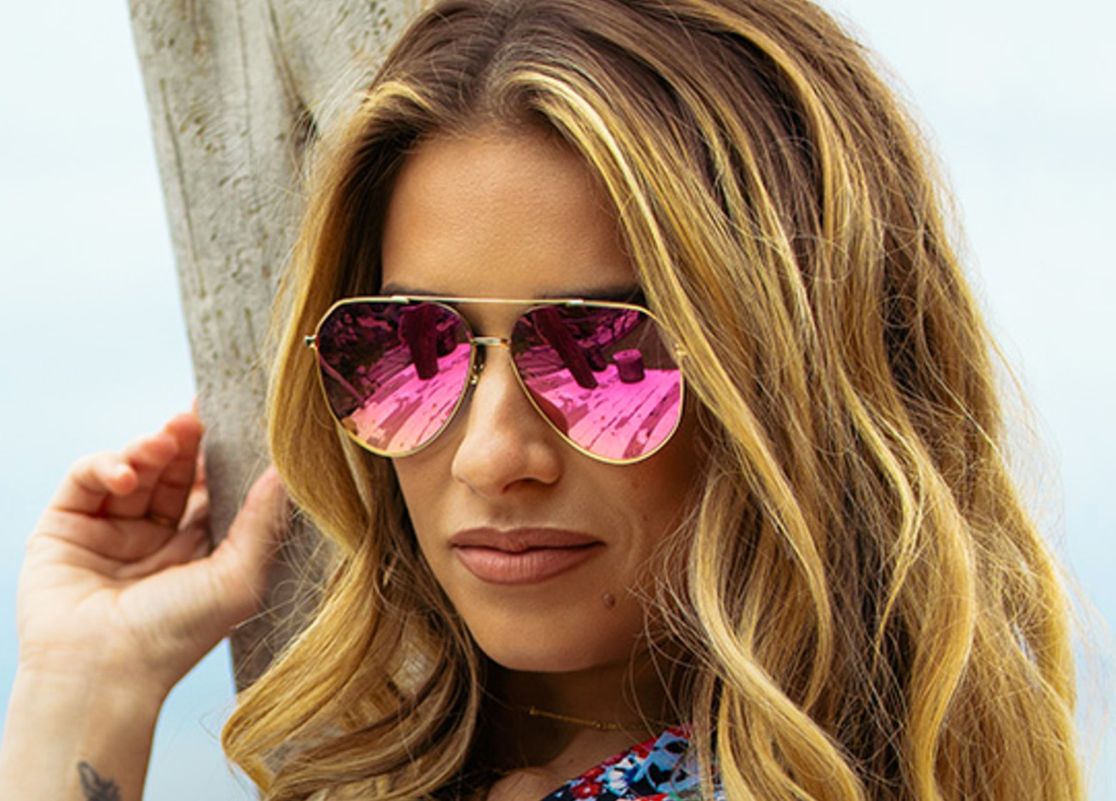 160afdd4518c When Are The Jessie James Decker x DIFF Aviator Sunglasses Coming Out? The  Shades Are On The Way