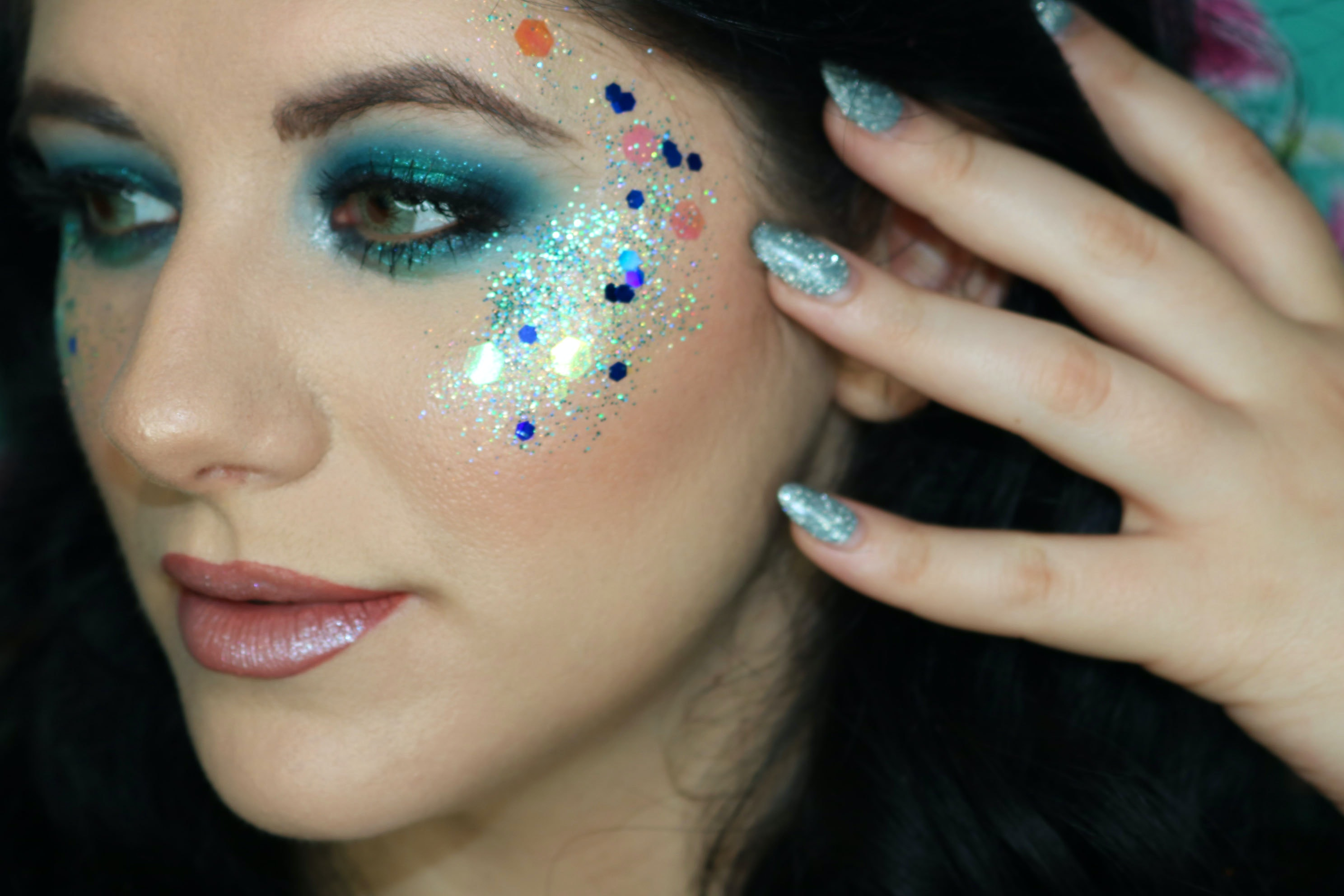 6fee35afb37 7 Ways To Wear Glitter On Literally Every Part Of Your Face