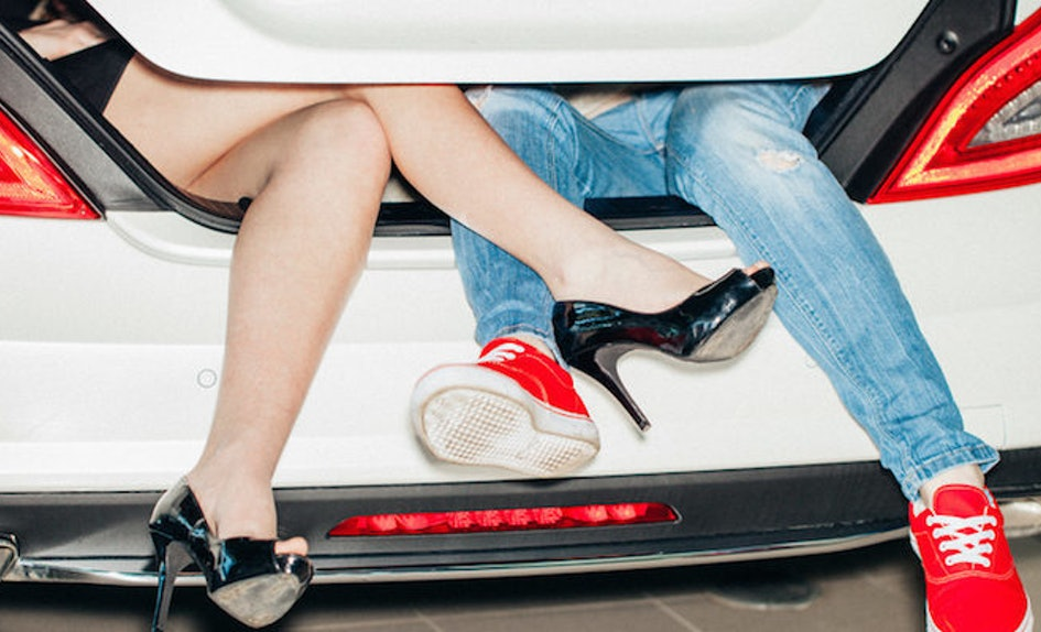 Is dating dead in the college culture