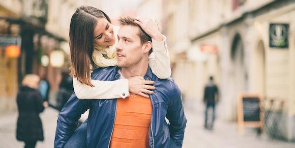 efterretning og dating 46 år gammel kvinde dating 28 år gammel mand