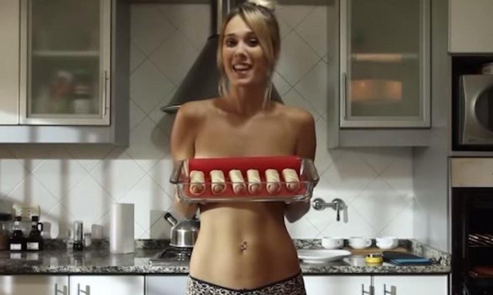 girl-naked-cooking-porn-aishwariya-images
