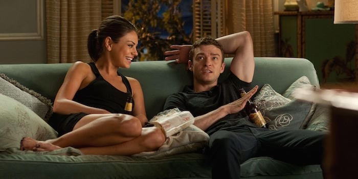 How to transition from friends with benefits to hookup