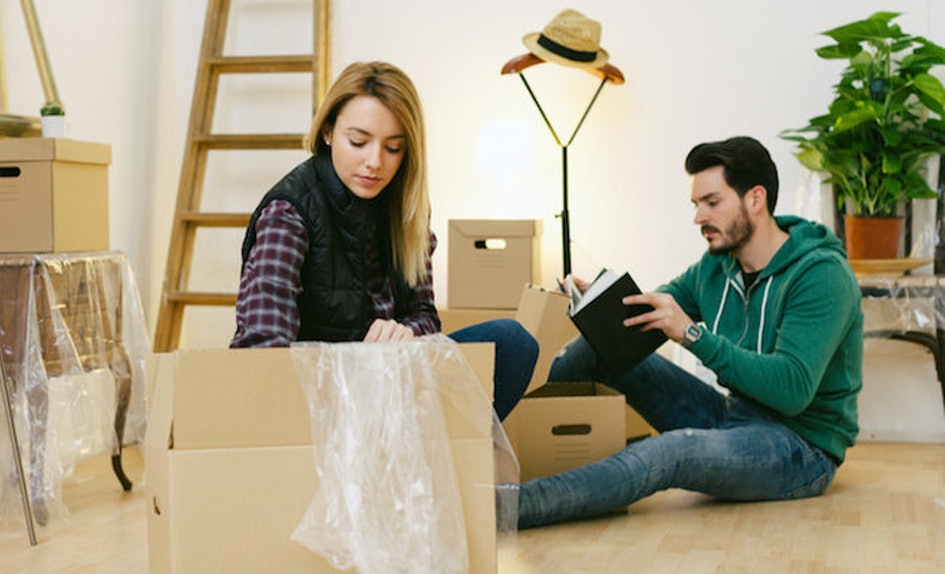 what to do if your boyfriend is moving