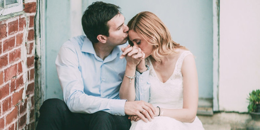 10 signs you're dating a good woman