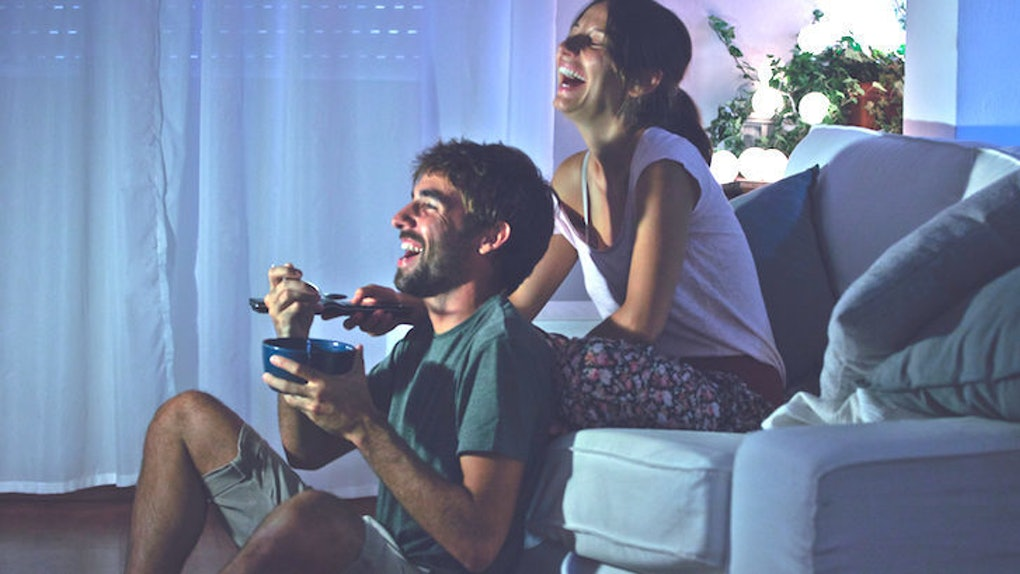 A PSA To All Single Ladies: 'Netflix And Chill' Is Not A Date