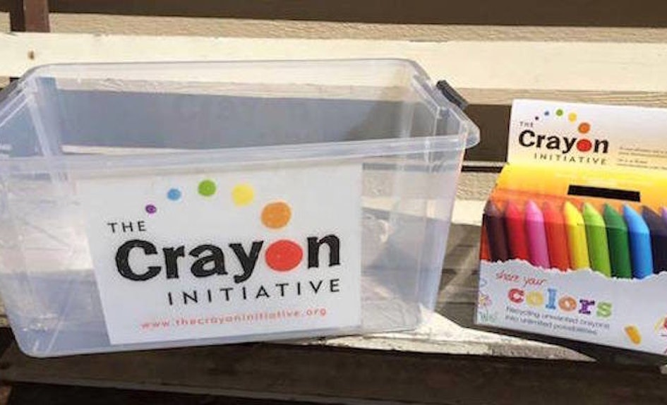 awesome dad gives restaurants old crayons amazing new purpose photos