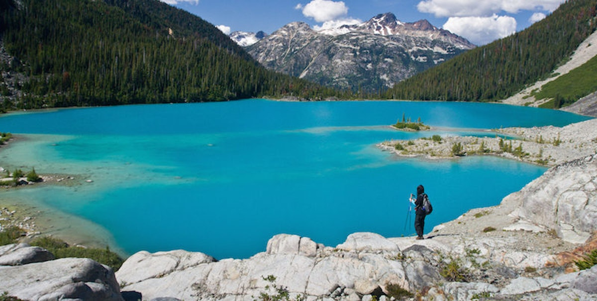 10 Stunning Lakes That Will Make You Want To Visit Canada In A Hurry