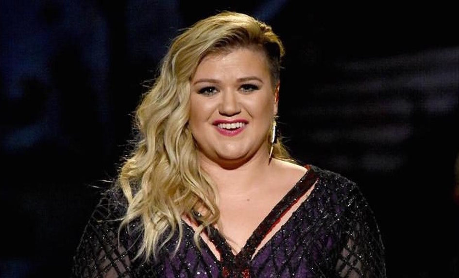 Kelly Clarkson Made A \'Game Of Thrones\' Christmas Card, And It\'s ...
