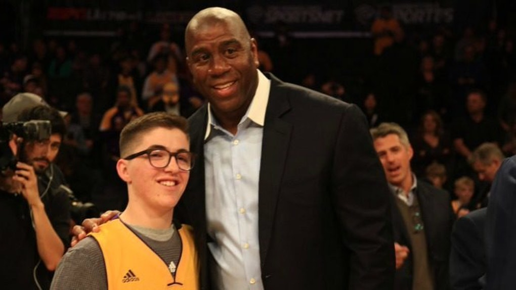 92f606736 The Lakers Made A Young Fan s Wish Come True In Spectacular Fashion