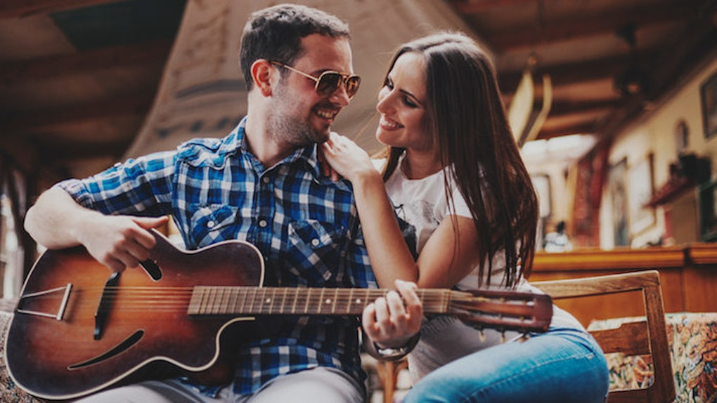 21 Songs Every Guy Learns To Play On Guitar To Impress Girls