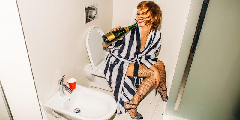 Perfect Girls Bathroom Minimalist