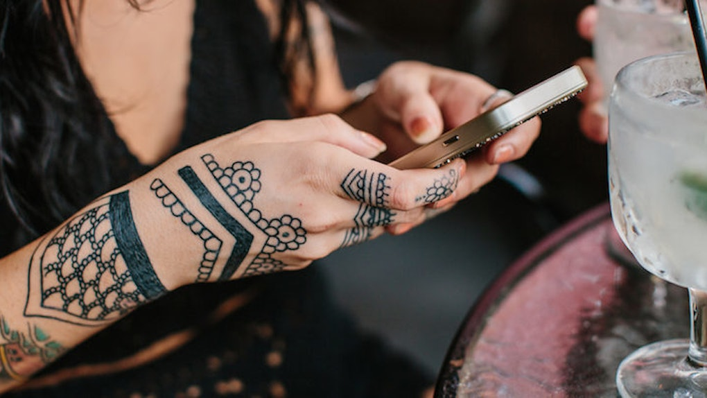 f05c1904f0fff 4 Things I Learned After Getting A Traditional Henna Tattoo As An American