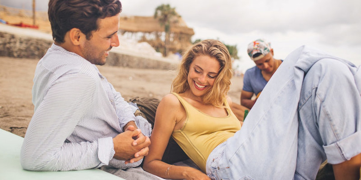 9 Non-Sexual Things That Make A Woman Sexy AF To A Man