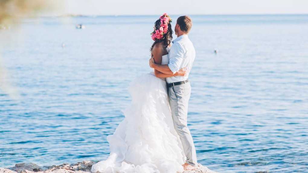 439812a5c7cdac These Breathtaking Beach Weddings Are All The Inspo You Need This Summer