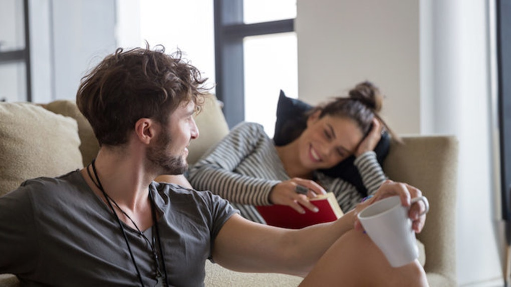 10 Non-Boring Date Ideas For Couples Who Prefer To Stay In