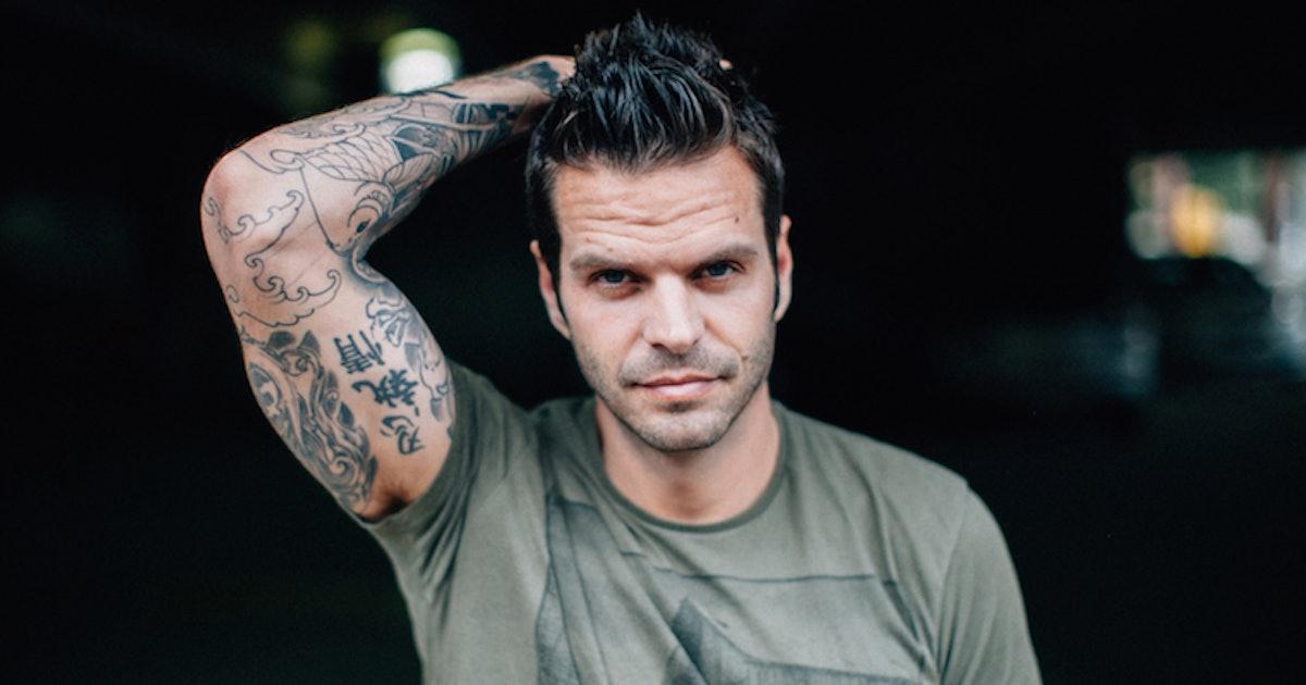 Online-Dating-Tattoos-Piercings