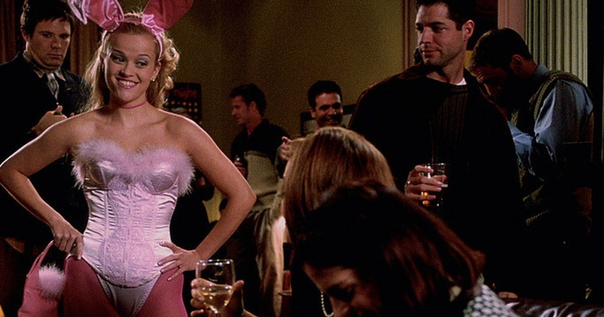 12 Costume Ideas Every '00s Girl Should Bring Back This Halloween