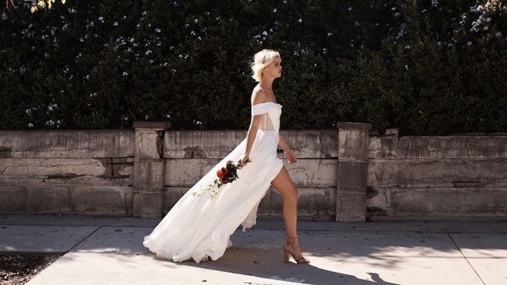 e9cf3dc10de This Website Lets You Design Your Own Wedding Dress And Try It On At Home