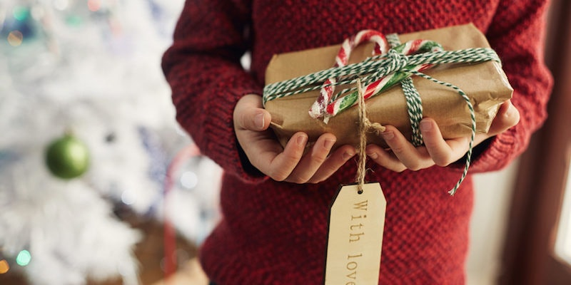 Best christmas gifts for 25 year old female