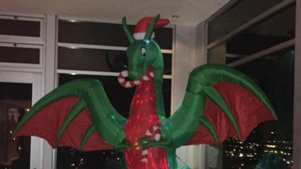 Inflatable Christmas Dragon.Stoned Guy Shops For Christmas Tree Gets Inflatable Dragon