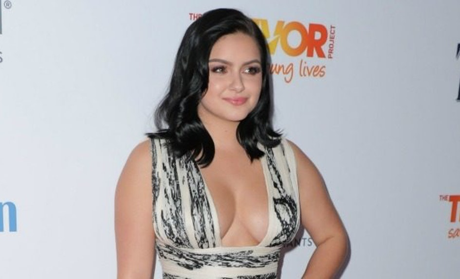 Ariel Winter Goes Completely Topless In Self Mag Photo Shoot