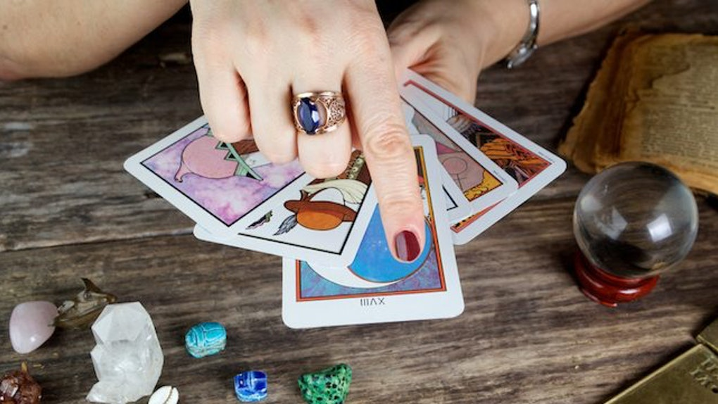 How You Can Use Tarot Cards In Your Career