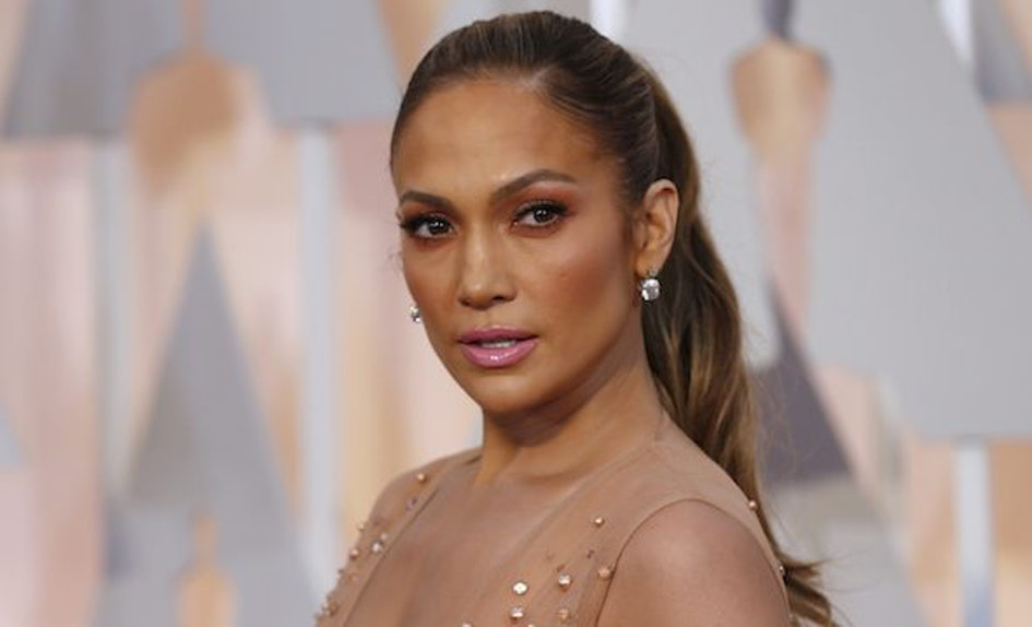 After Drake Goes On Date With Porn Star, Jlo Posts Sexy Pic-7730