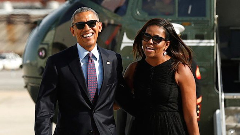 612dbf319a9 Obamas Are Still In Vacation Mode In First Pic Back In DC