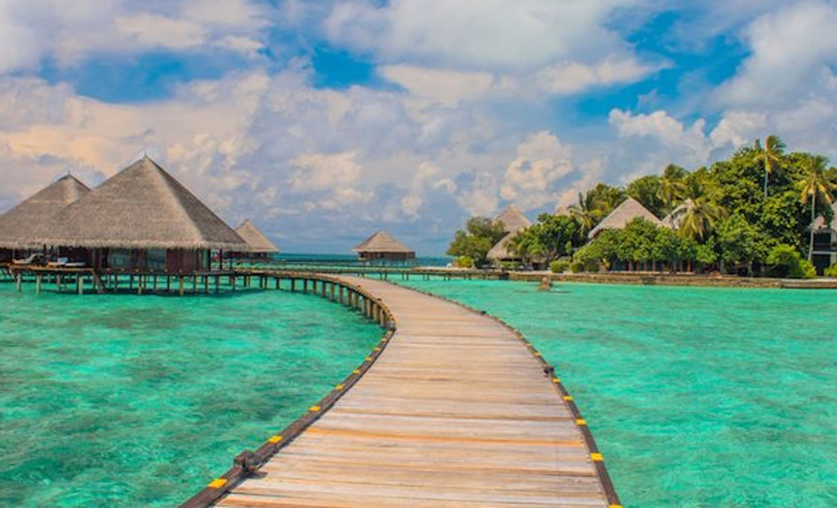 Tropical Island Beach Ambience Sound: Tropical Islands To Visit If You're On A Budget