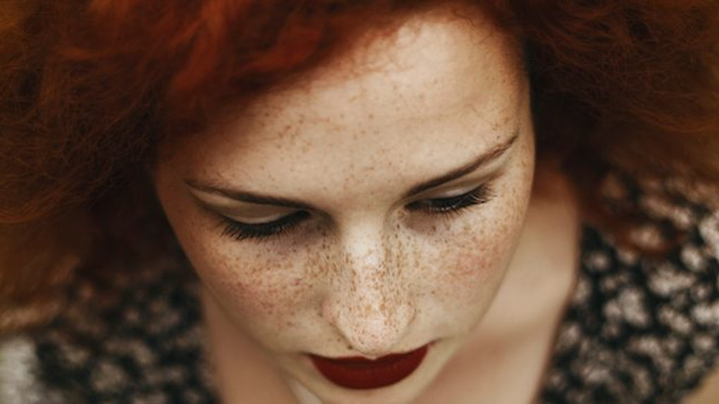 People Are Actually Tattooing Freckles On Their Face Now