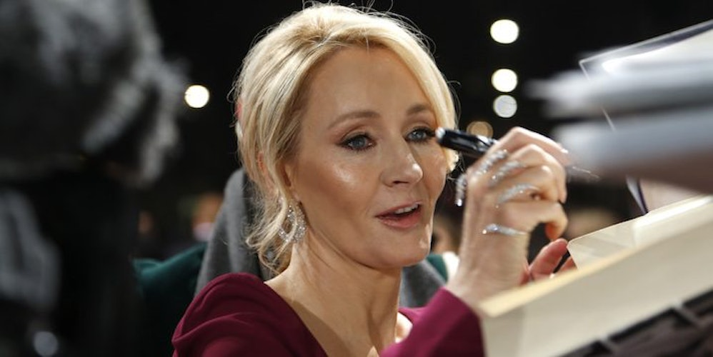 jk rowling writing In 2012, jk rowling's digital company and digital publisher pottermore was launched, a place where fans can enjoy the latest news from across the wizarding world, features and original writing by jk rowling.
