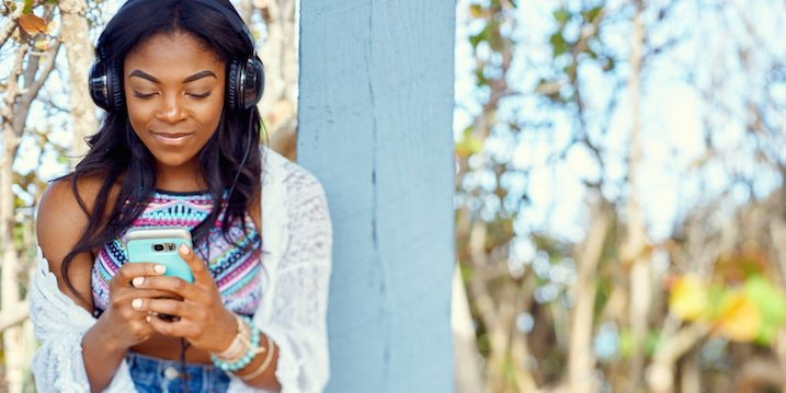 What to know before dating an outgoing introvert