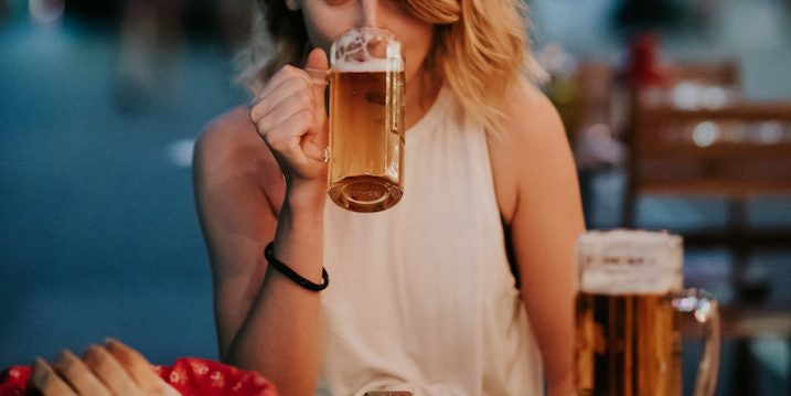 Expert Shares Secret To Drinking Beer Without Bloating