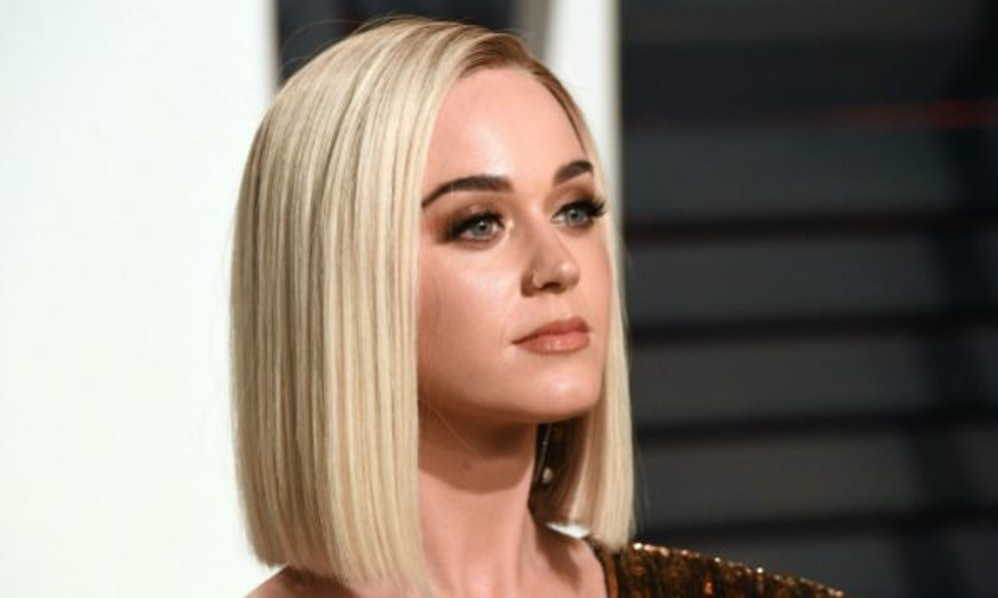 Katy perry naked with hair on vagina, lindsay lohan sexpic