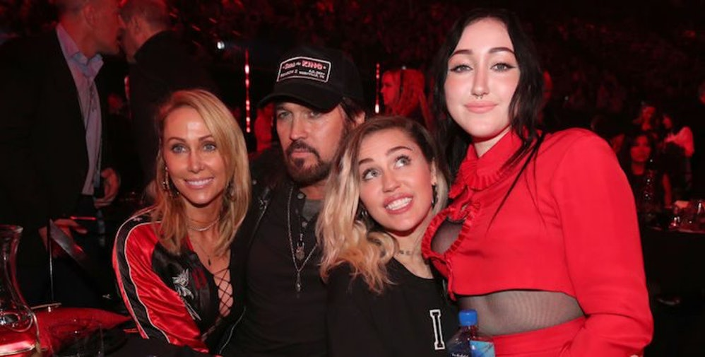The Cyrus Family At The 2017 Billboard Music Awards Were # ... Whole Cyrus Family