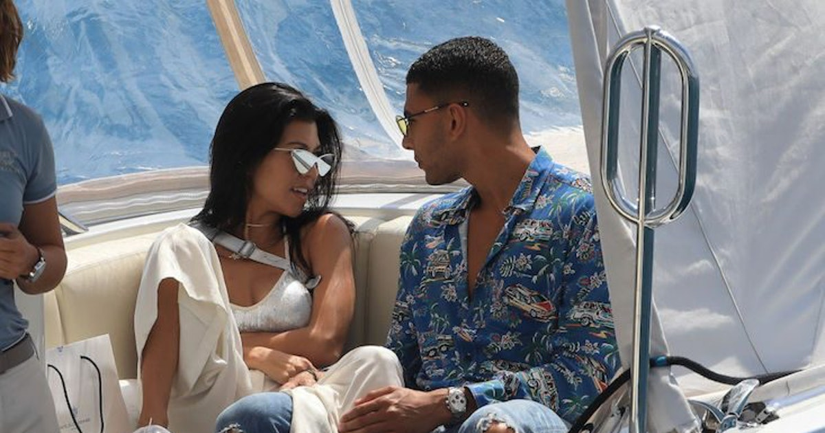 Kourtney Kardashian Celebrates 4th Of July With Younes Bendjima & Sideboob