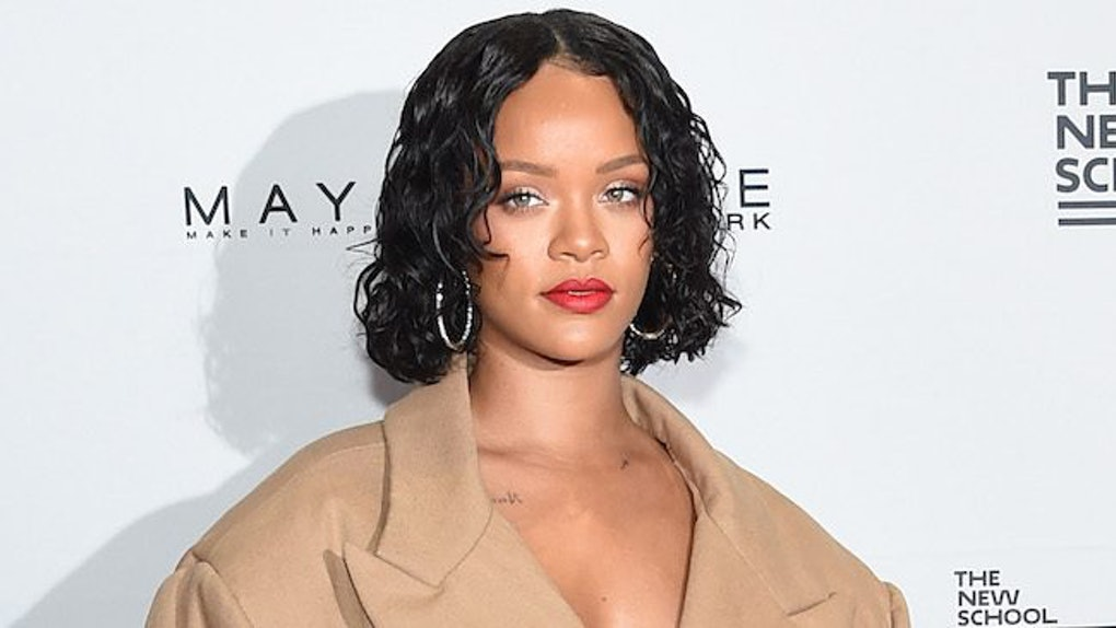 1ceeec2b82e Rihanna Shuts Down Internet Trolls Who Body-Shamed Her