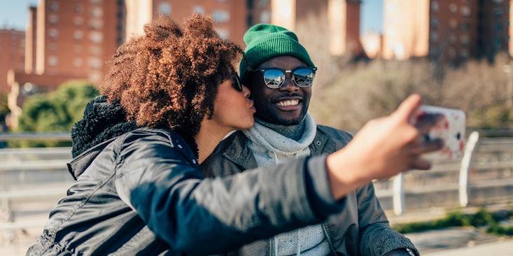 Scurt metraj sfantul online dating