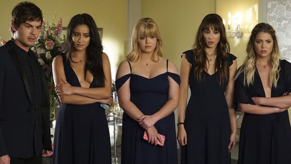 3a5711e6371 Ali   Emily Have Twins On  Pretty Little Liars    Their Names Are The  Cutest Ever