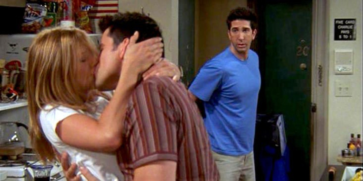 when do joey and rachel start dating I was watching friends tv series season 10, where joey and rachel start dating i got to see them dating, but afterwards, i couldn't find a break-up scene, just that they are friends why did they.