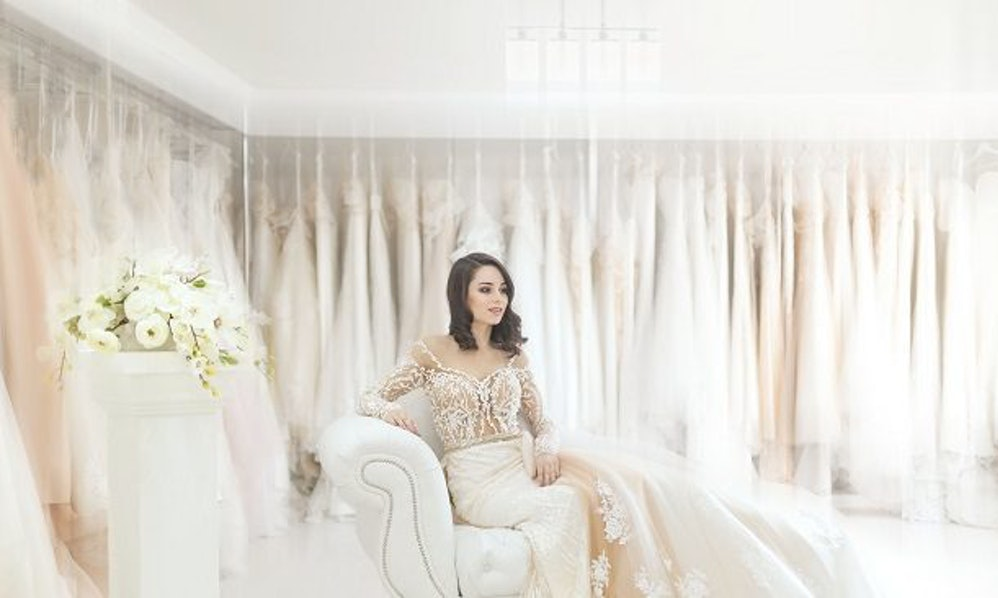 Gorgeous Long-Sleeved Wedding Dresses For Your Fall Wedding Under $150
