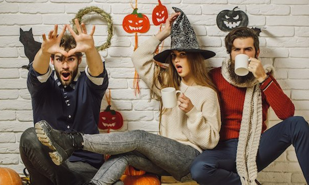 Easy halloween costumes for college students that wont make your easy halloween costumes for college students that wont make your wallet cringe solutioingenieria Gallery