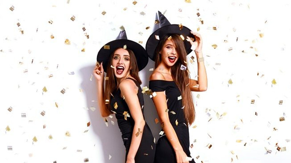 10 Sister Halloween Costume Ideas Youd Only Want To Be With Your