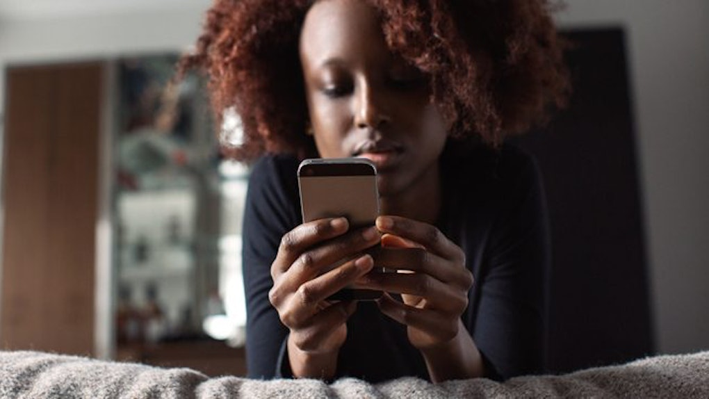 If He's Texting You Less Often, It Means One Of 3 Things For Your