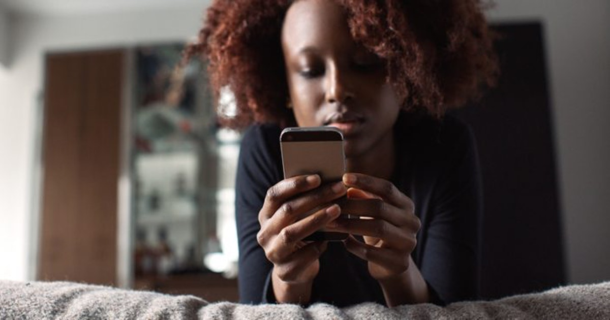 If He's Texting You Less Often, It Means One Of 3 Things For Your Relationship