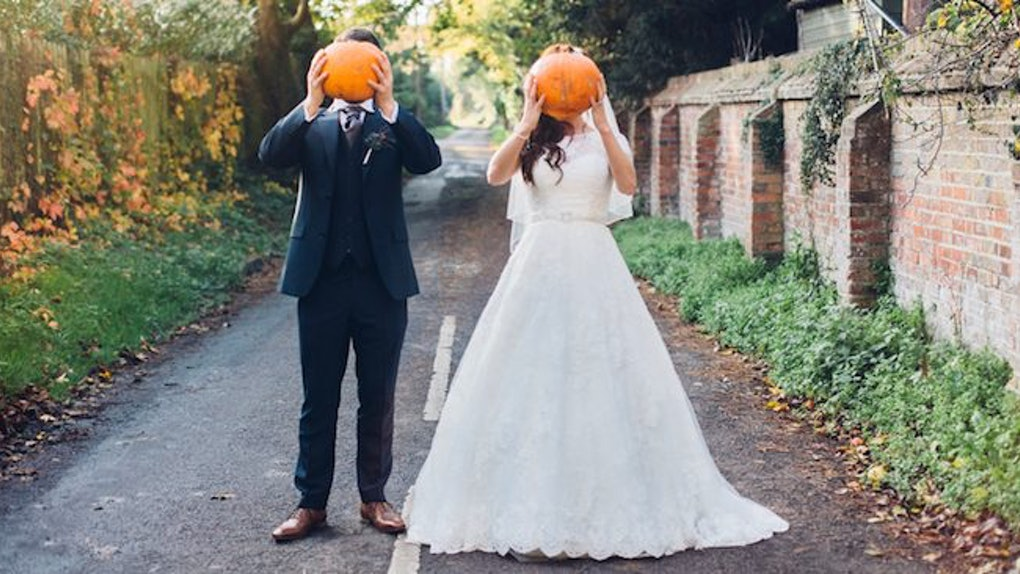10 Halloween Wedding Ideas That Are Spooky & Beautiful At