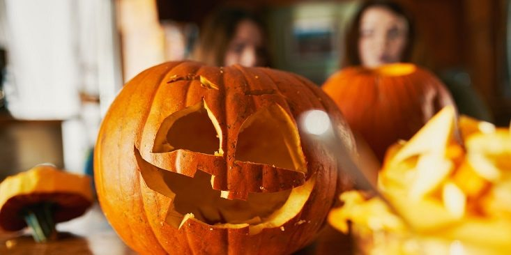 Easy pumpkin carving ideas perfect for your dorm room