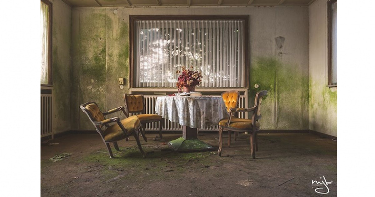 Haunting Photographs of Abandoned Rooms