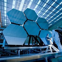 NASA Crews Install Final Mirror Segment of the James Webb Space Telescope